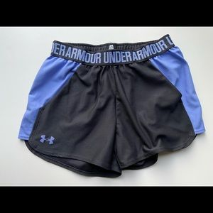 Under Armour Shorts Black : Small